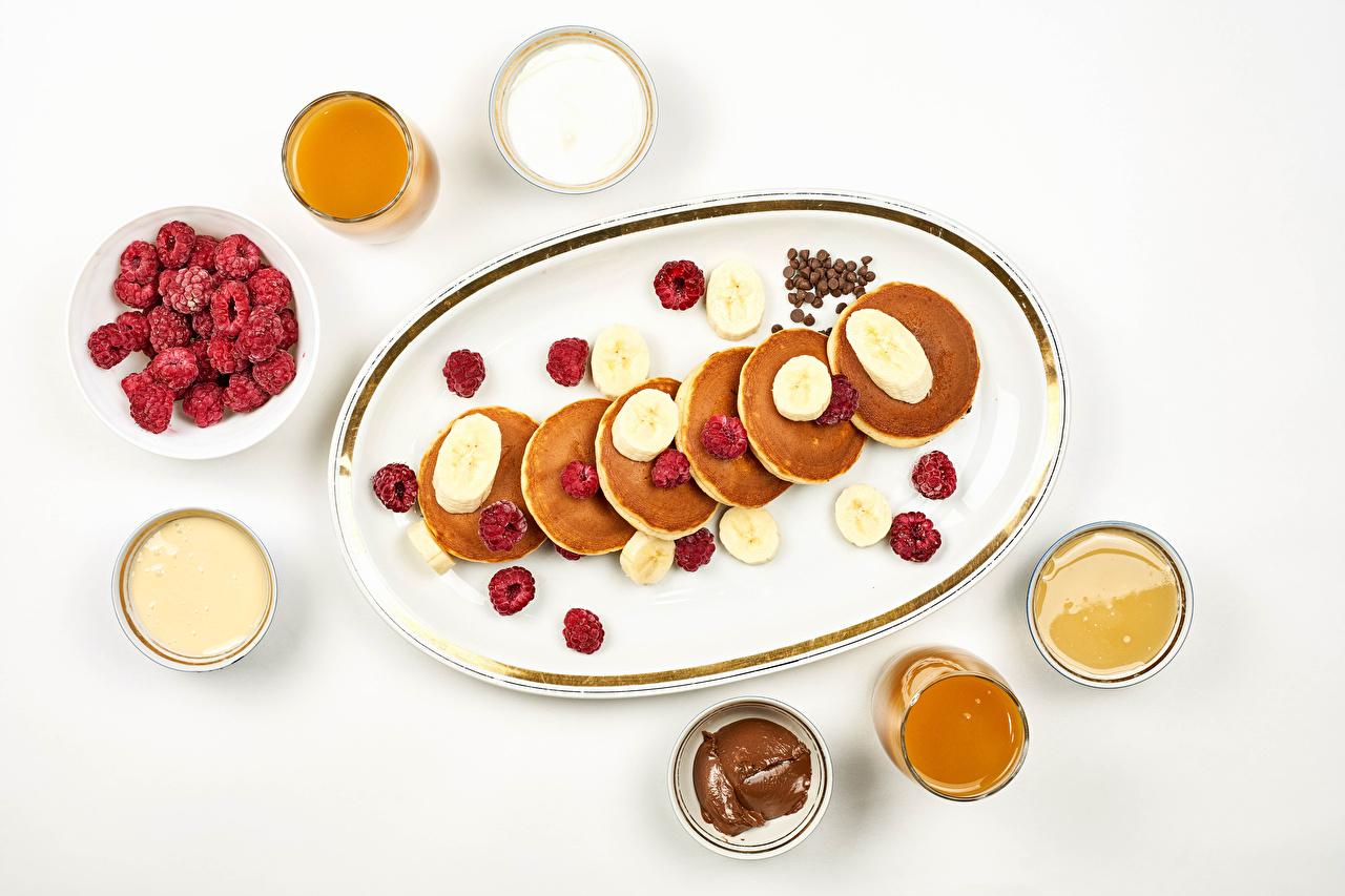 Wallpaper soured cream Honey Pancake Bananas Raspberry Food White background Sour cream hotcake