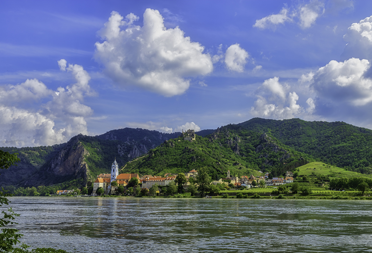 Desktop Hintergrundbilder Österreich Ein Tal Gebirge Flusse Haus Städte Berg Fluss Gebäude