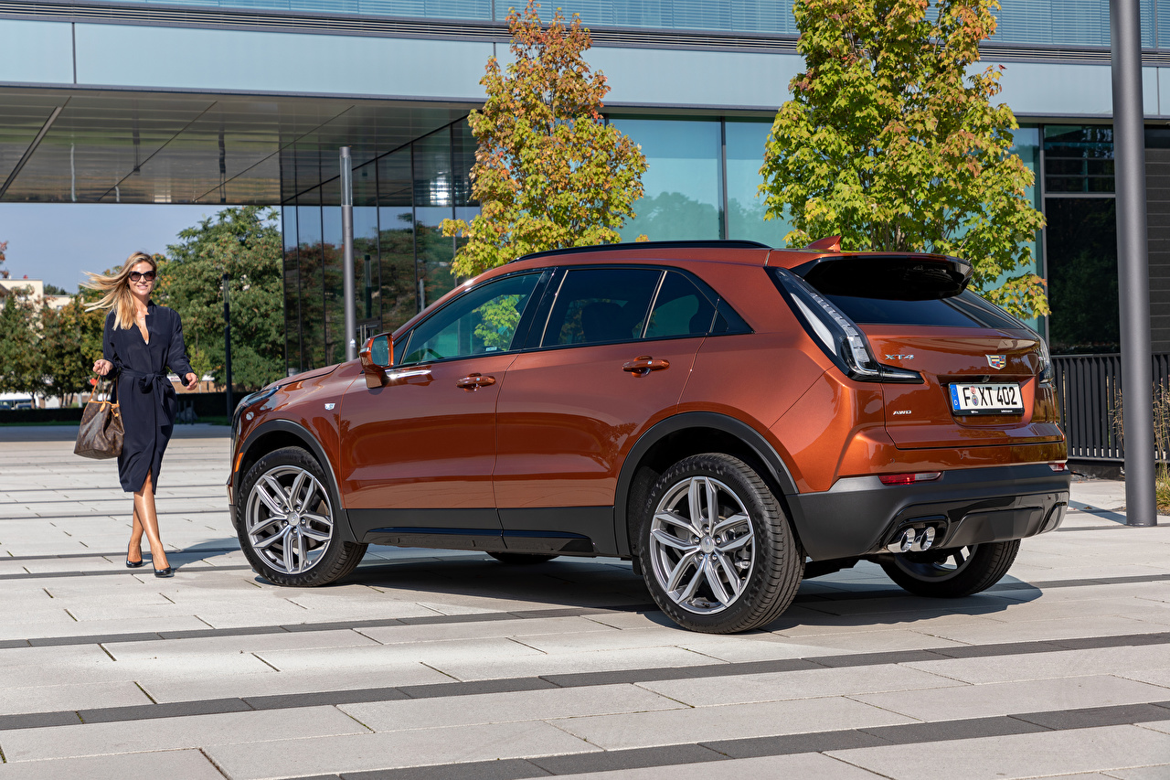 Image Cadillac CUV XT4 350D, Launch Edition Sport, 2020 Girls Side Handbag Metallic automobile Crossover female young woman auto Cars purse