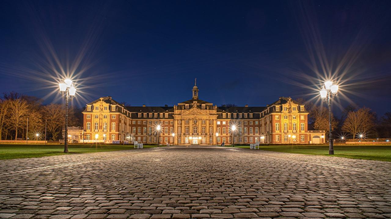 Desktop Hintergrundbilder Palast Deutschland Muenster, North Rhine-Westphalia Nacht Straßenlaterne Städte