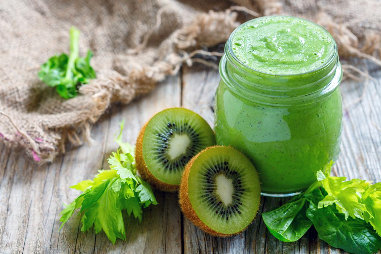 Bilder Smoothie Kiwifrucht Einweckglas Gemüse Lebensmittel Bretter Kiwi Weckglas Chinesische Stachelbeere das Essen