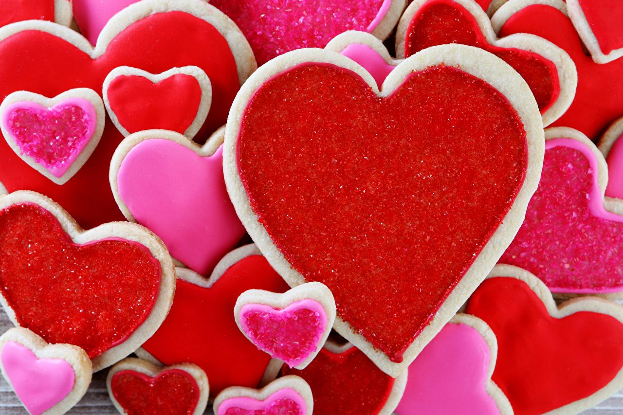 Fotos von Valentinstag Herz Kekse Lebensmittel Backware