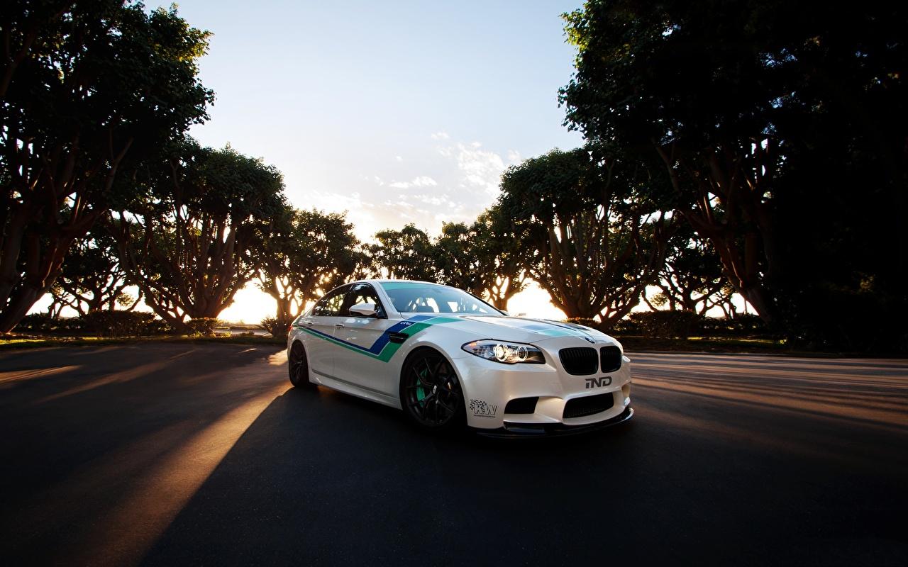 Desktop Wallpapers BMW m5 White automobile Cars auto