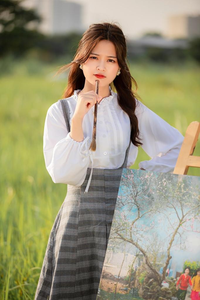 Foto Braune Haare Bokeh Mädchens Asiaten Gemälde Blick  für Handy Braunhaarige unscharfer Hintergrund junge frau junge Frauen Asiatische asiatisches Malerei Starren