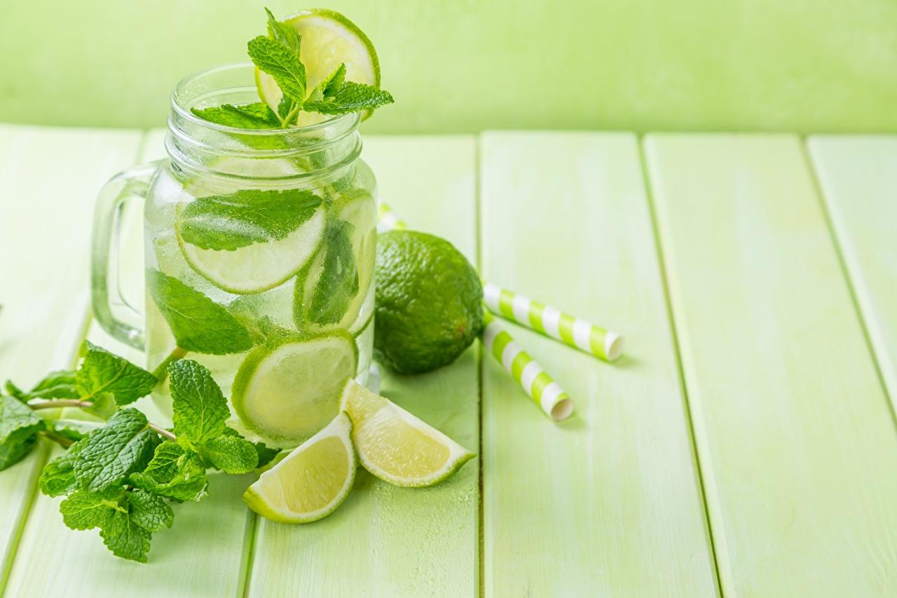 Fotos von Blatt Limette Limonade Minzen Einweckglas Lebensmittel Bretter Blattwerk Weckglas das Essen