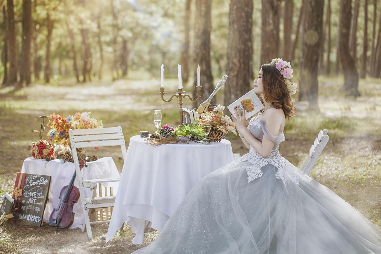 Hintergrundbilder Heirat Brautpaar Braune Haare Mädchens Tisch Kerzen Sitzend Kleid Trauung Hochzeit Braunhaarige