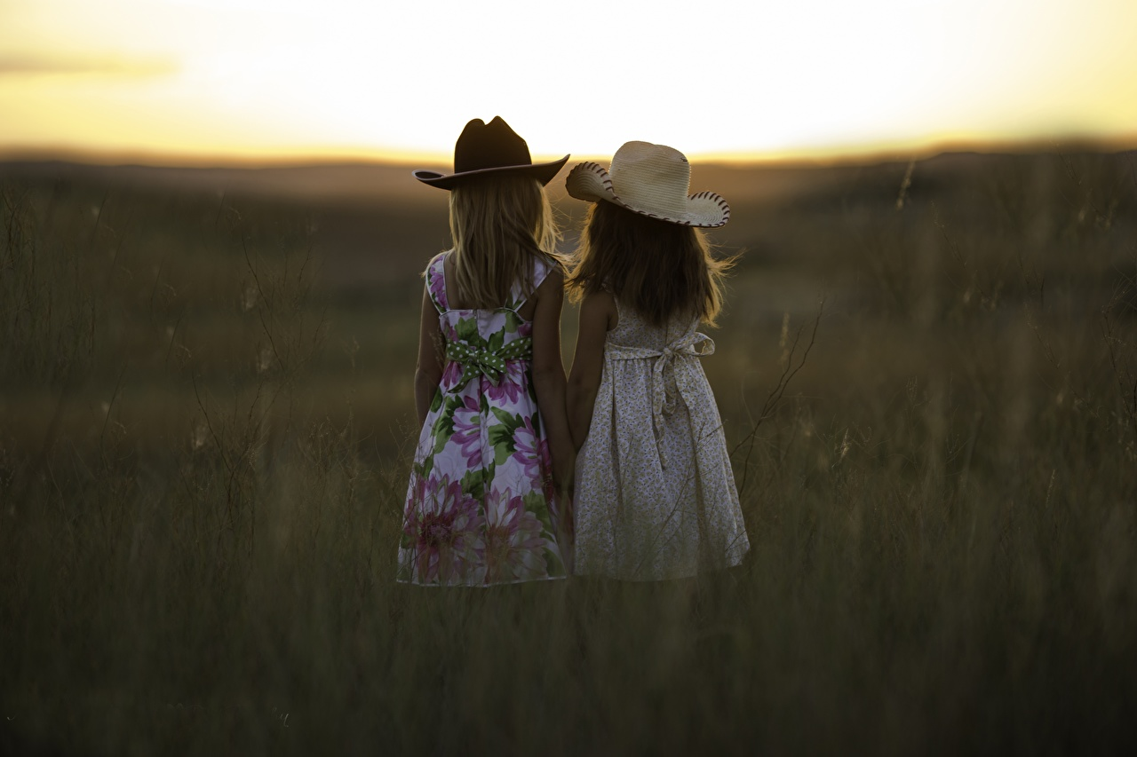 Picture Little girls Children Two Hat Sunrises and sunsets Grass child 2 sunrise and sunset