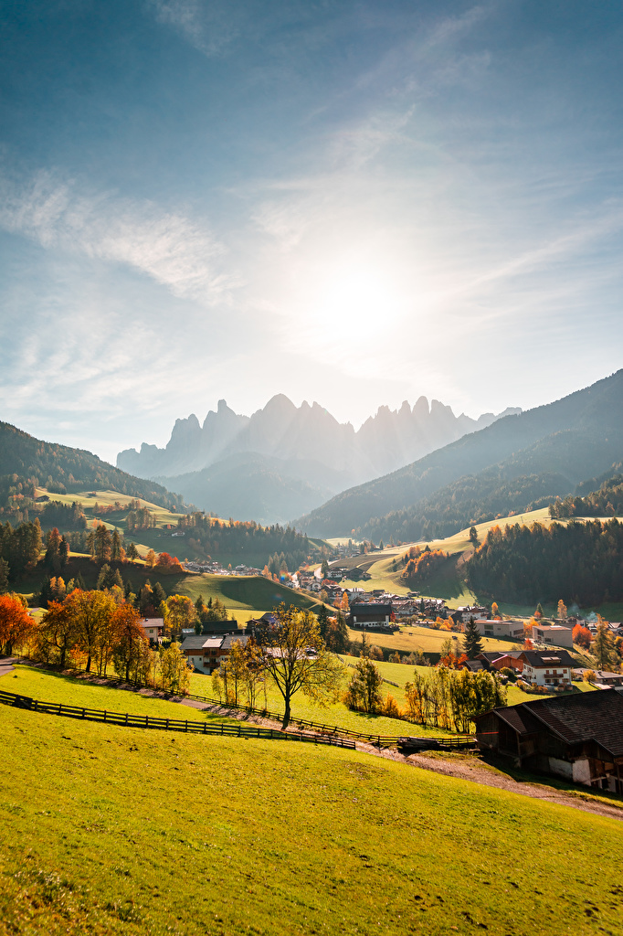 Photo Italy Village Val Gardena, Ranui Valley Sun Autumn Nature mountain Forests  for Mobile phone Mountains forest