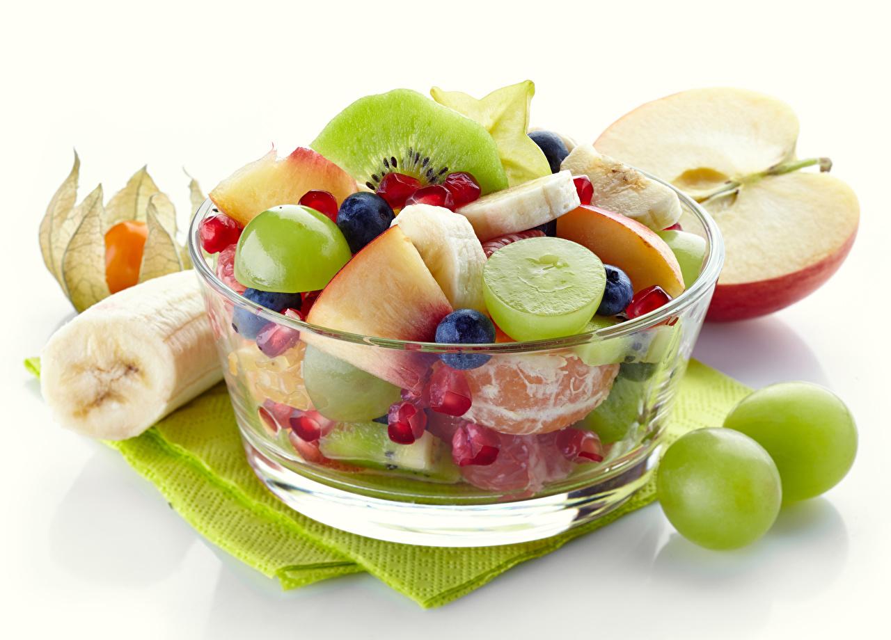 Bilder Weintraube Obst Salat Lebensmittel Weißer hintergrund