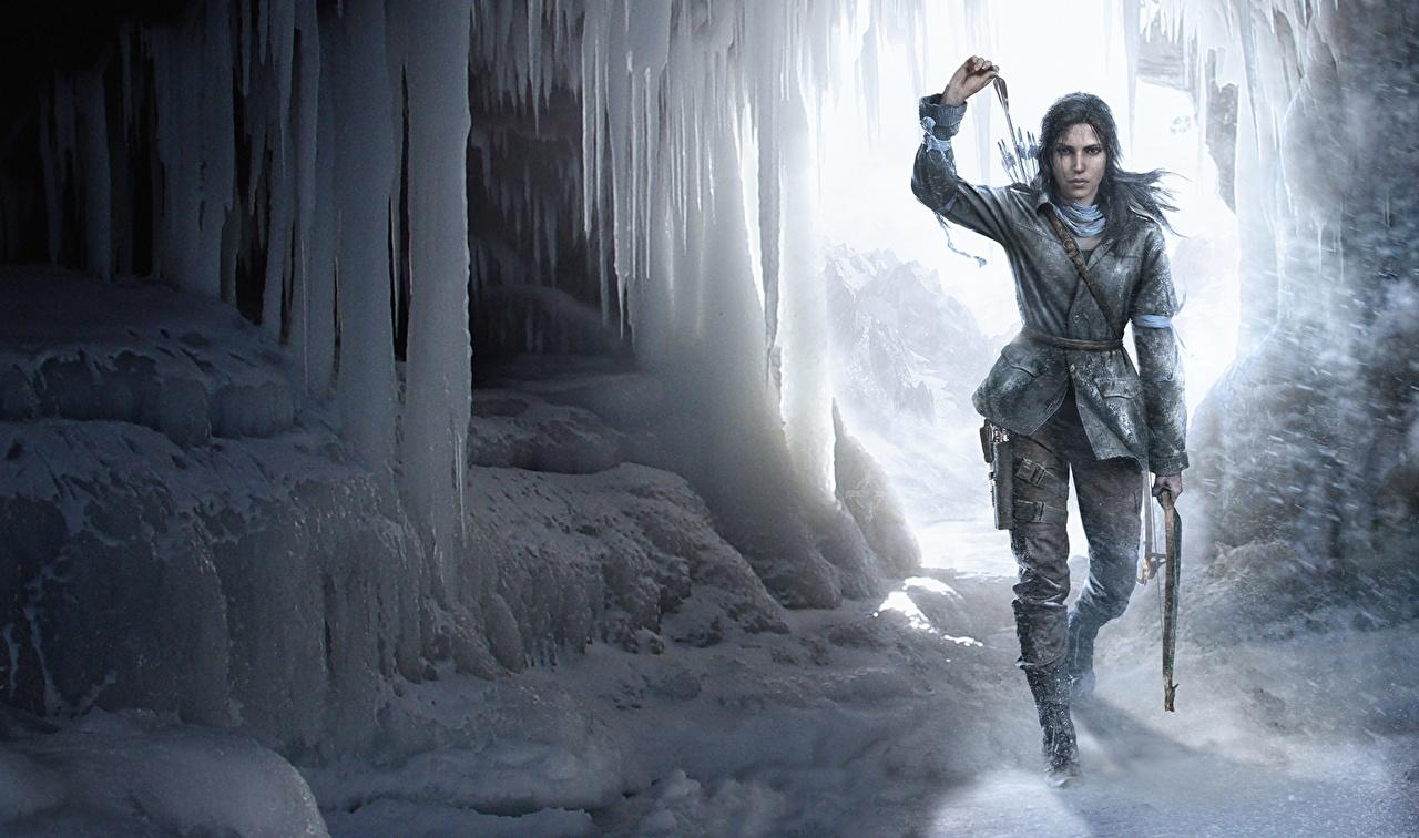 zdjęcie Rise of the Tomb Raider Łucznicy Lara Croft Lód Zima jaskinie dziewczyna Śnieg gra wideo komputerowa łucznik lodem Jaskinia Dziewczyny młoda kobieta młode kobiety Gry wideo