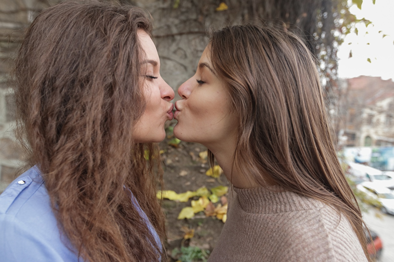 Image Brown haired kissing 2 Hair Girls Kiss kisses Two female young woman
