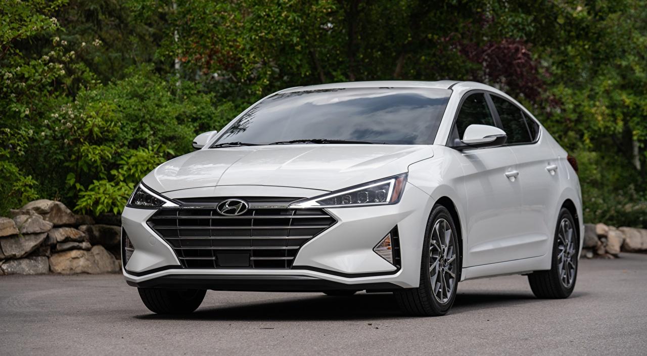 Bilder Hyundai Elantra, Limited US-spec, 2018 Limousine Weiß auto Vorne Metallisch Autos automobil