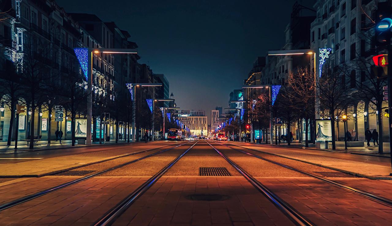 Fotos von Spanien Zaragoza Straße Stadtstraße Abend Haus Städte Wege Straße Gebäude