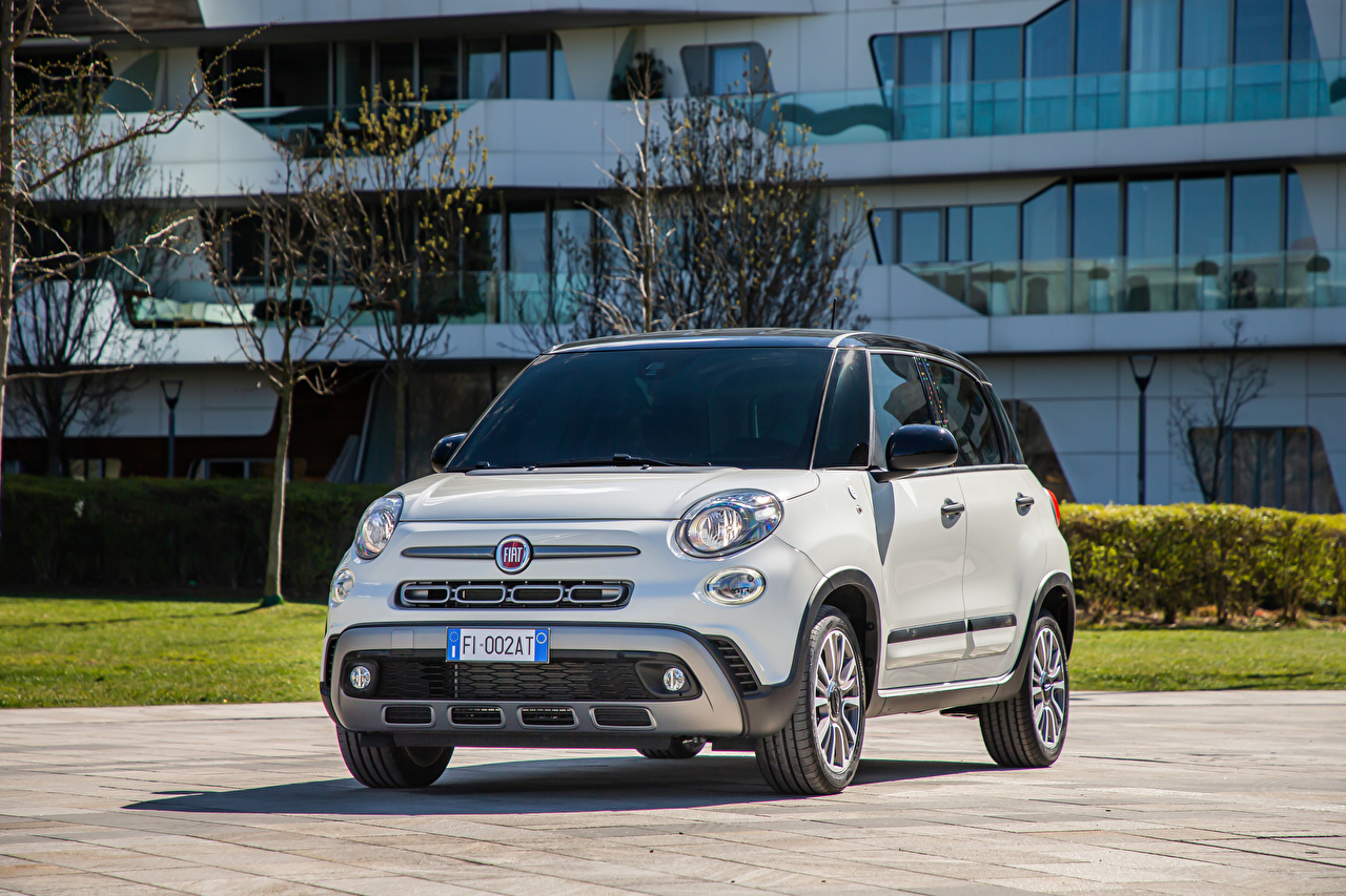 Desktop Hintergrundbilder Fiat 500L 'Hey Google' (330), 2021 Weiß auto Metallisch Autos automobil