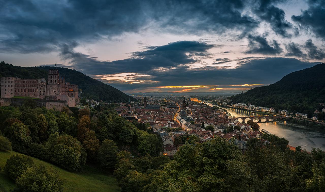 Skrivebordsbakgrunn Tyskland Heidelberg Broer Åser Kveld Elver Elv Byer Skyer bygninger en bro Hus byen en by bygning