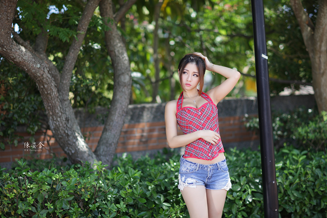 Images Brown haired blurred background Girls Asiatic Hands Shorts Bokeh female young woman Asian
