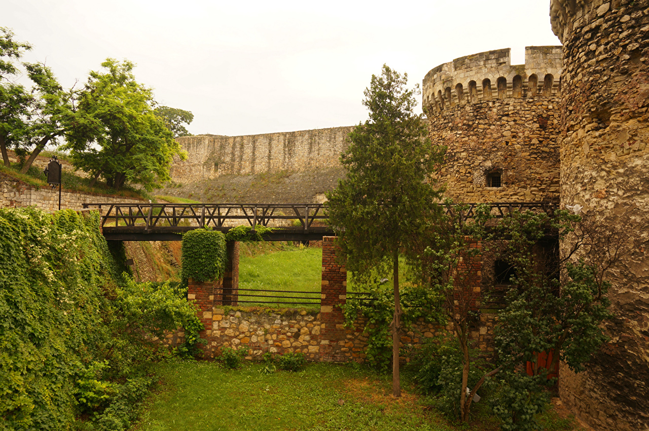 Pictures Cities Belgrade Fortification Bridges Serbia Trees walls Fortress Wall