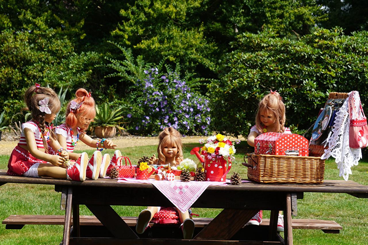Picture Little girls Germany Doll Grugapark Essen Bouquets Nature Parks Wicker basket bouquet park