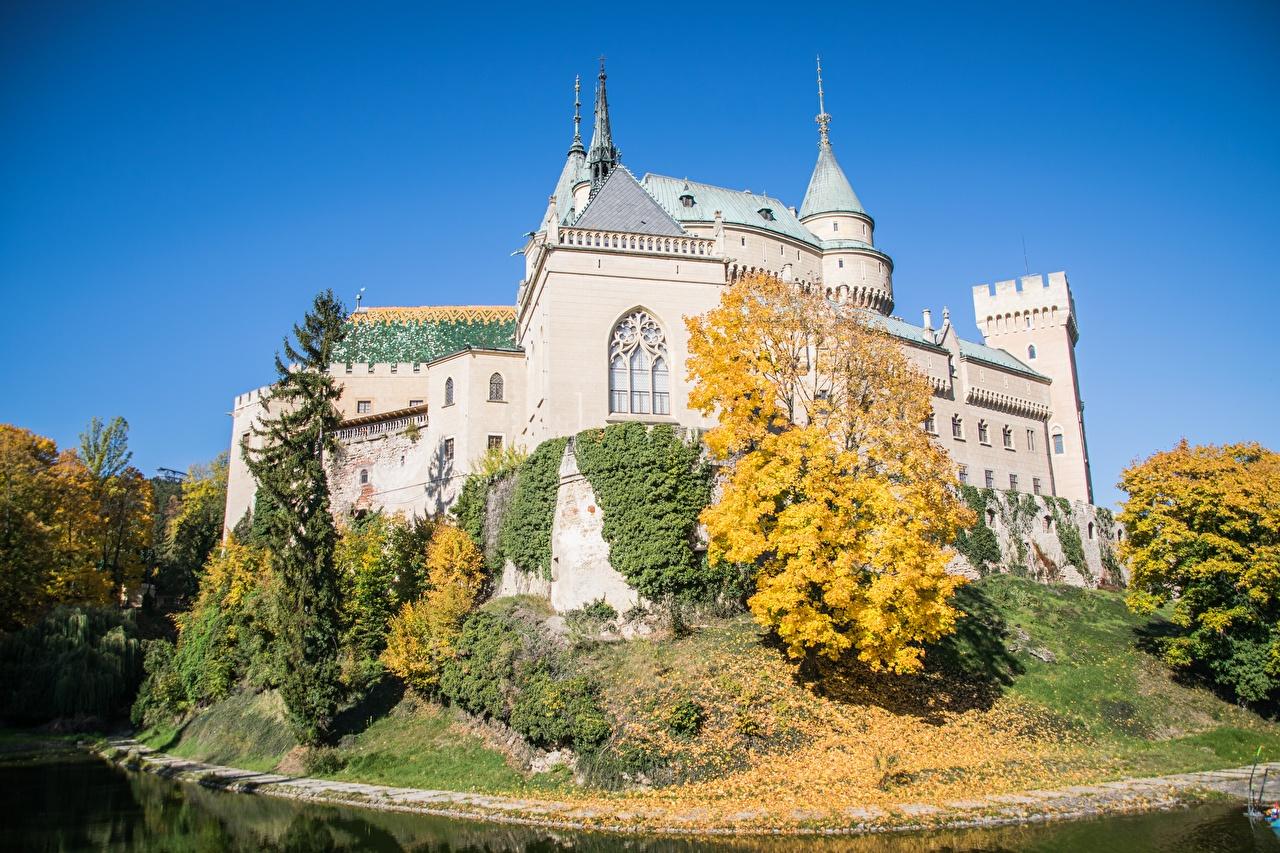 Image Slovakia Bojnice Castle Autumn Castles Parks Cities castle park
