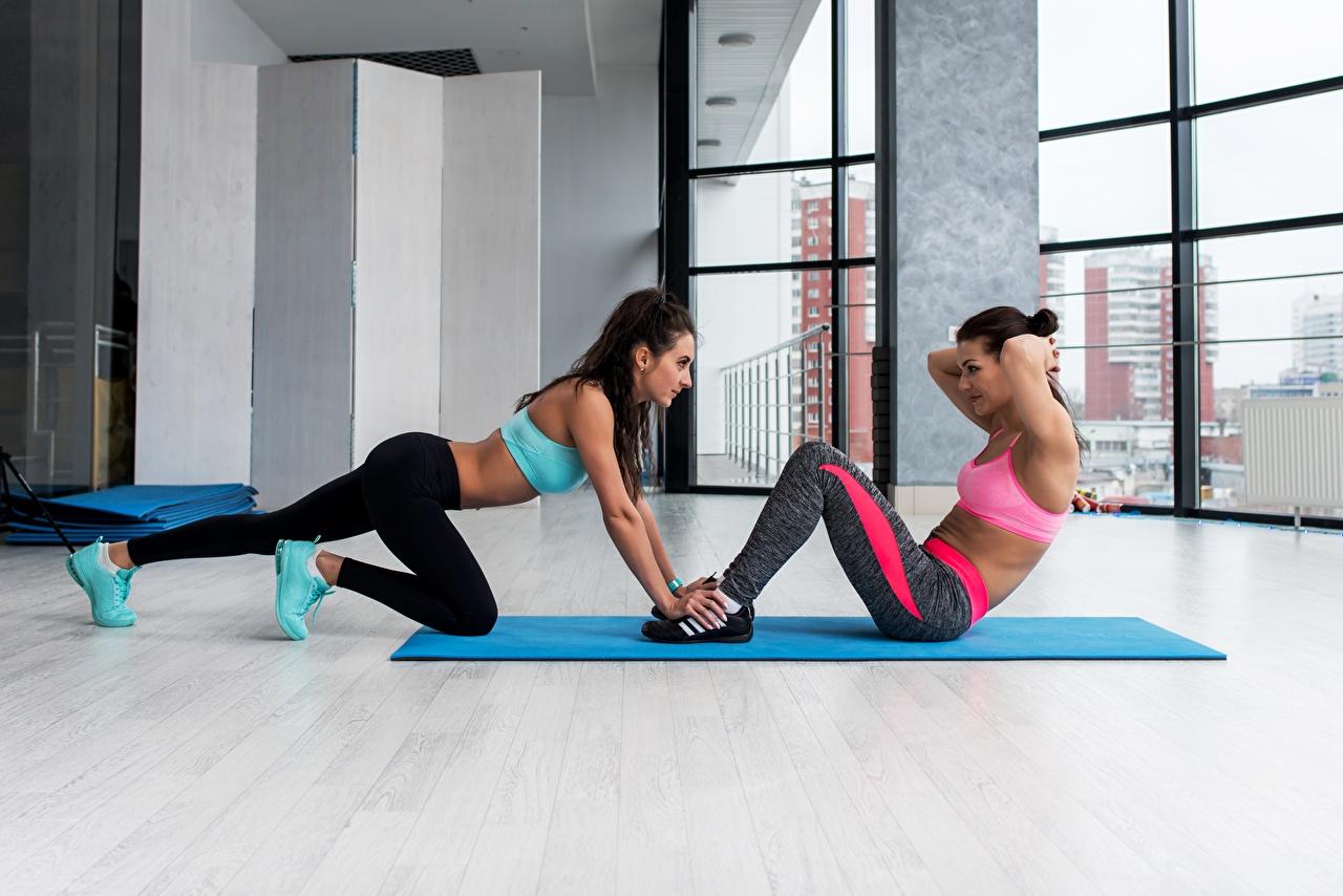 Bilder von Trainieren Fitness Zwei Sport Mädchens Körperliche Aktivität 2