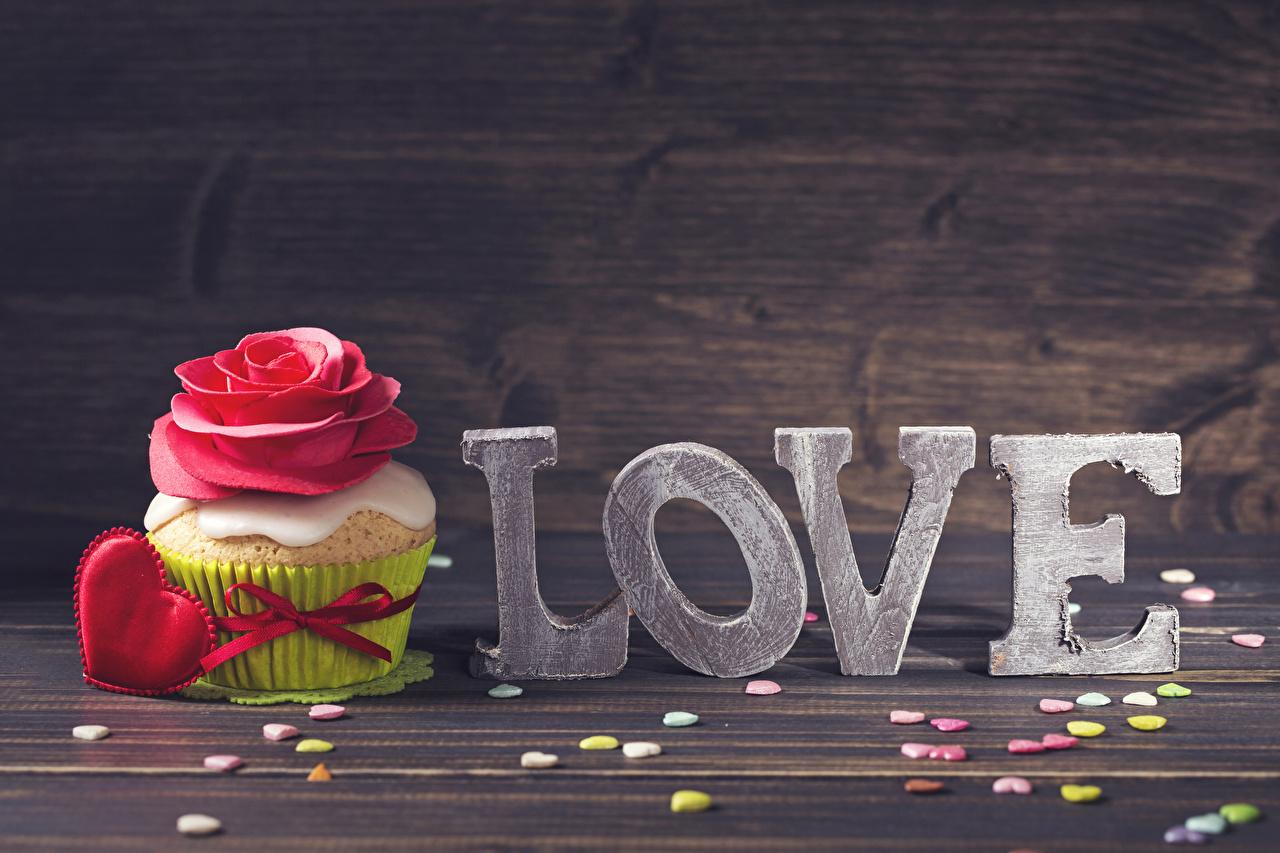 Bilder Valentinstag Englisch Herz Liebe Rosen Cupcake Lebensmittel Törtchen Süßigkeiten Bretter englische englisches englischer Süßware