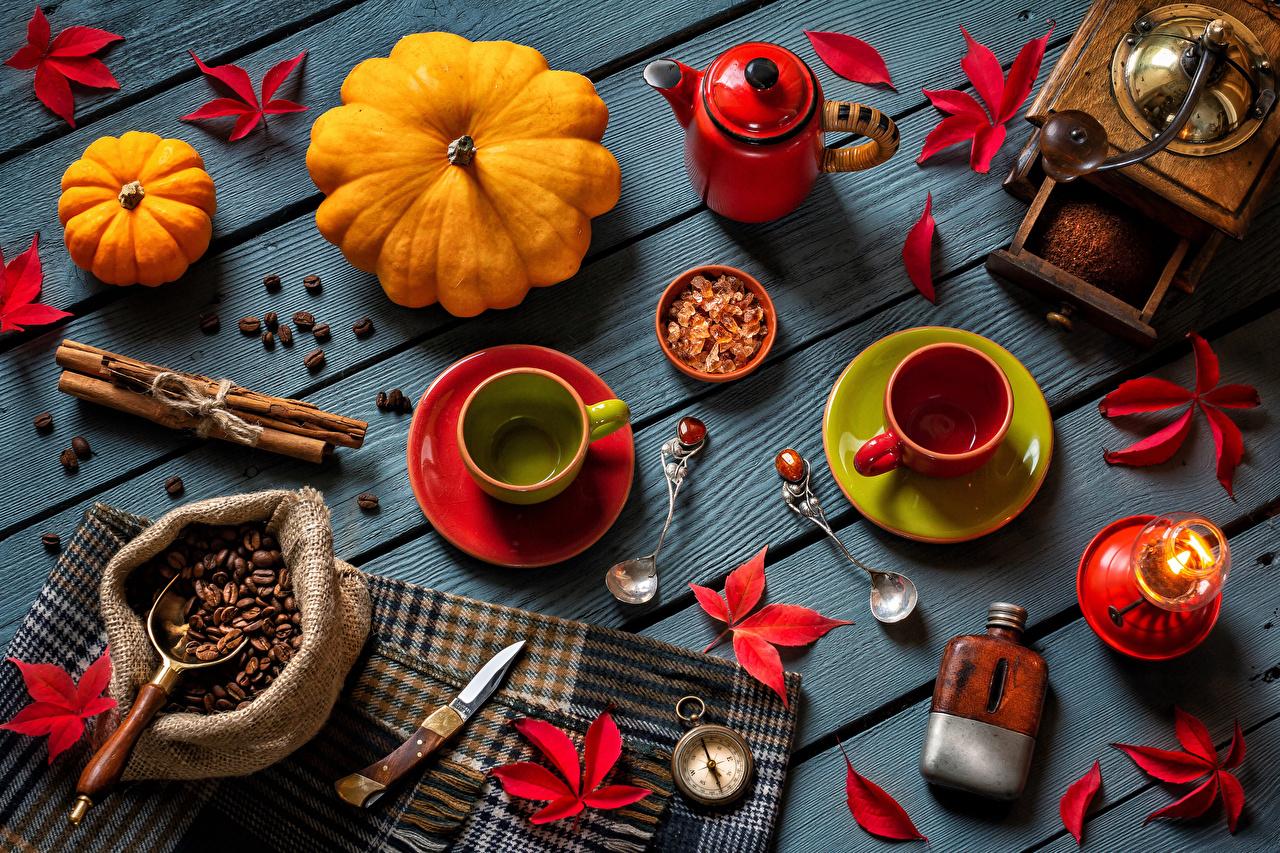 Bilder von Blattwerk Kaffee Kürbisse Zimt Getreide Tasse Kerzen Löffel Lebensmittel Bretter Blatt das Essen