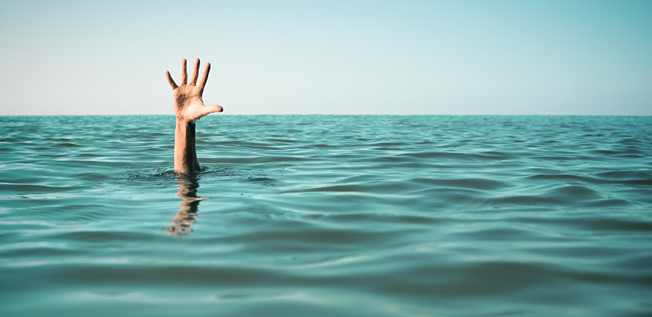 ,海,problems hand help drown,手,,