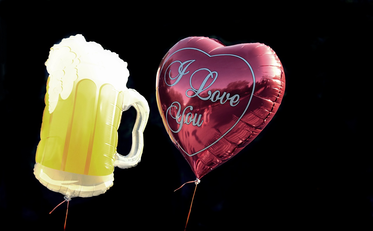 Photos English Heart Toy balloon Two Beer Mug Black background balloons 2
