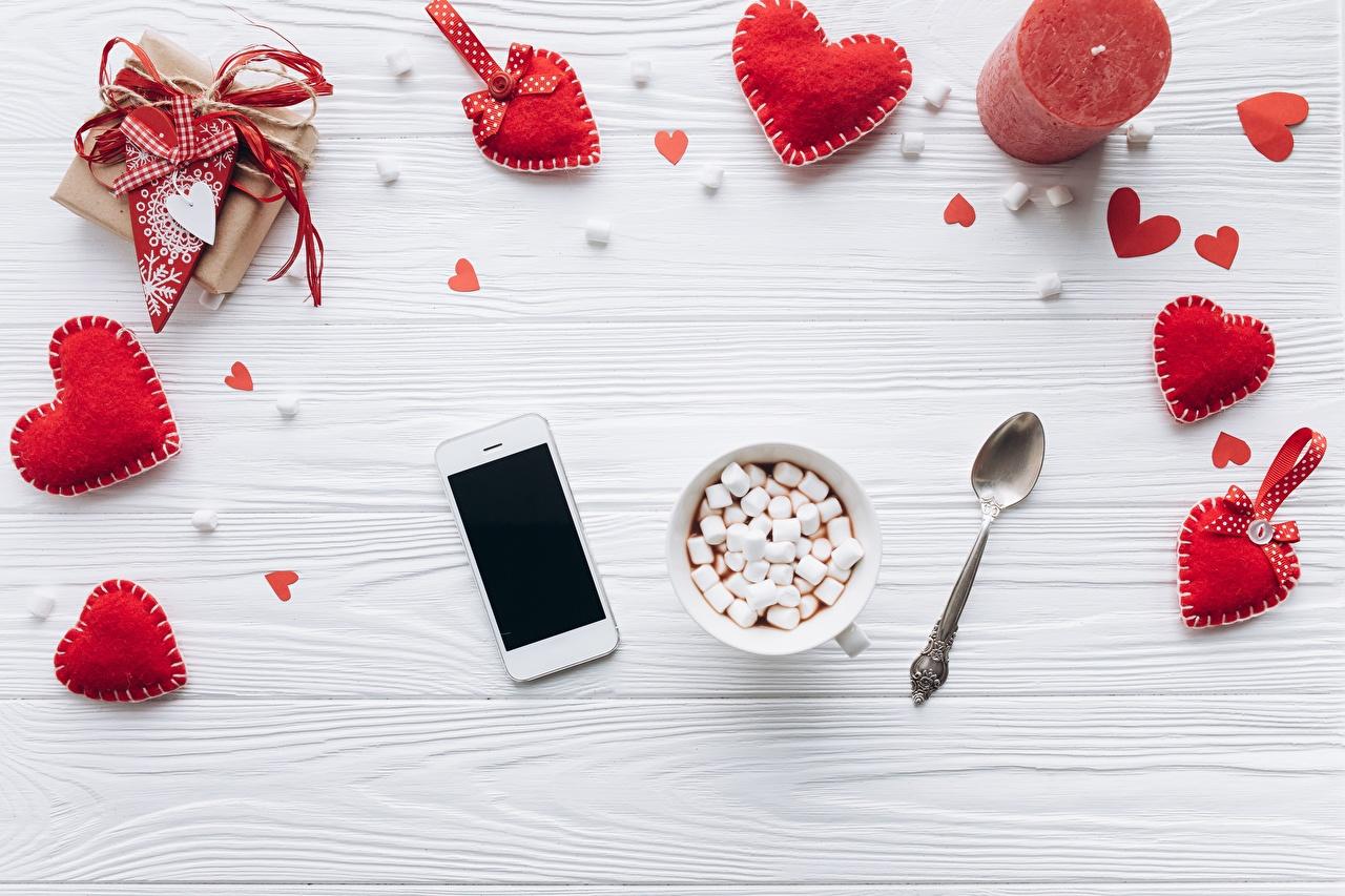 Desktop Wallpapers Valentine's Day Heart smartphones Marshmallow Food Smartphone