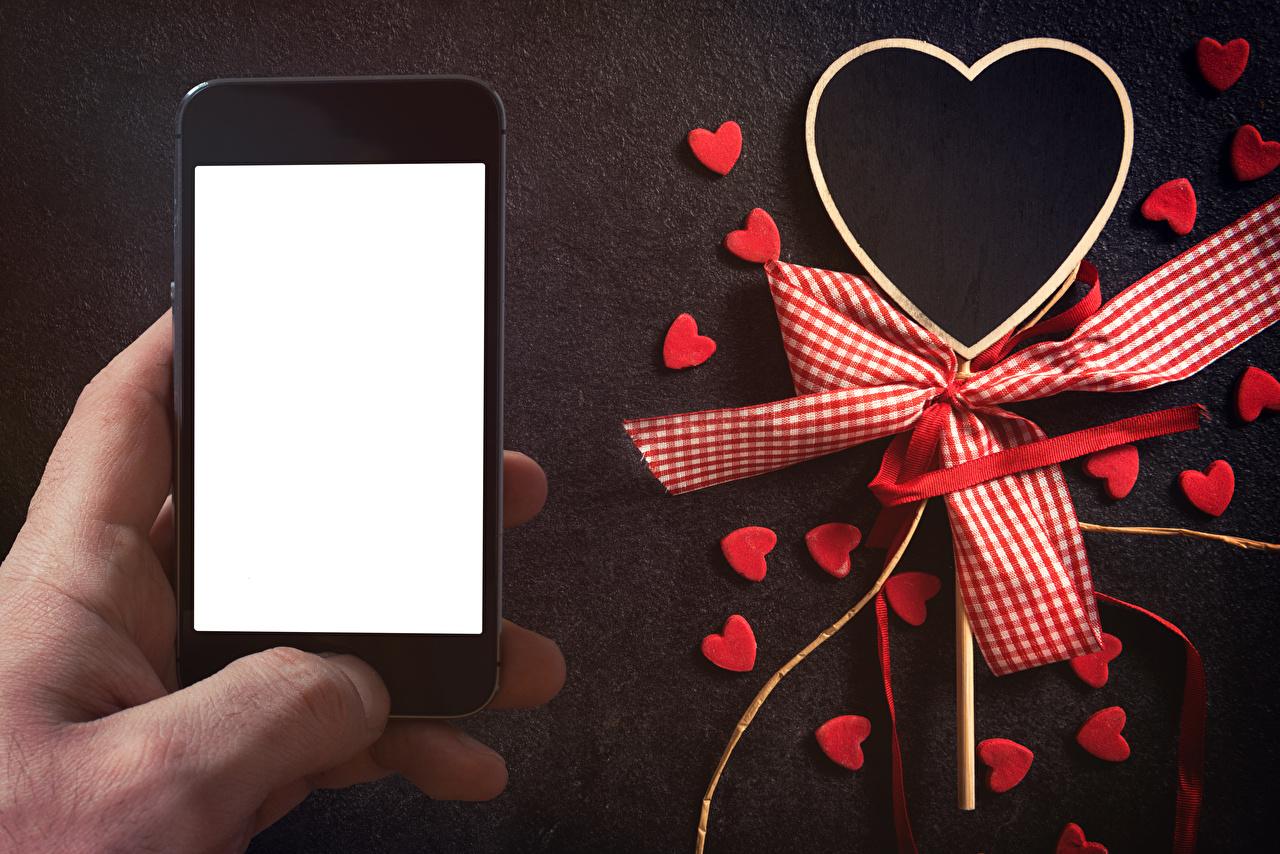 Dia dos Namorados Cartão do molde Smartphone Coração Laço