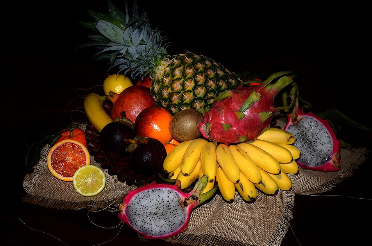 Fotos von Pitaya Ananas Bananen Kiwifrucht Granatapfel Obst Lebensmittel Drachenfrucht Kiwi Chinesische Stachelbeere