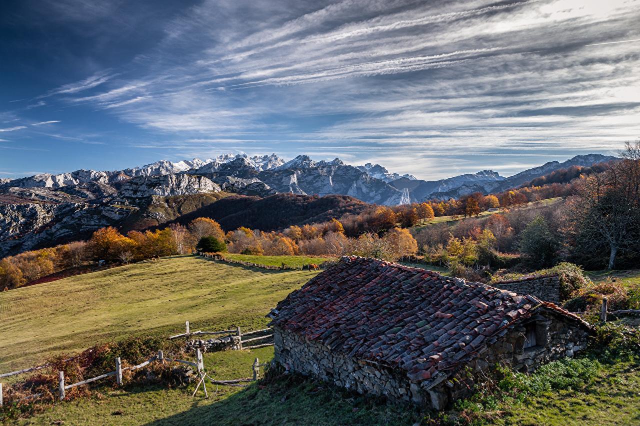 Bilder Spanien Asturias, Ponga Dach Natur Gebirge Himmel Haus Wolke Berg Gebäude