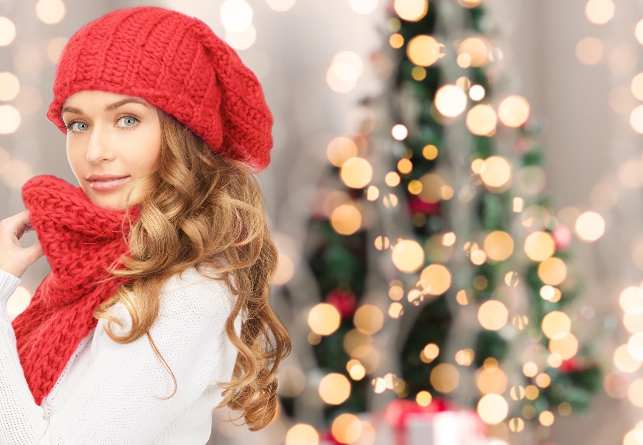 Foto Neujahr Blond Mädchen Schal Mütze Mädchens Blick Blondine Starren
