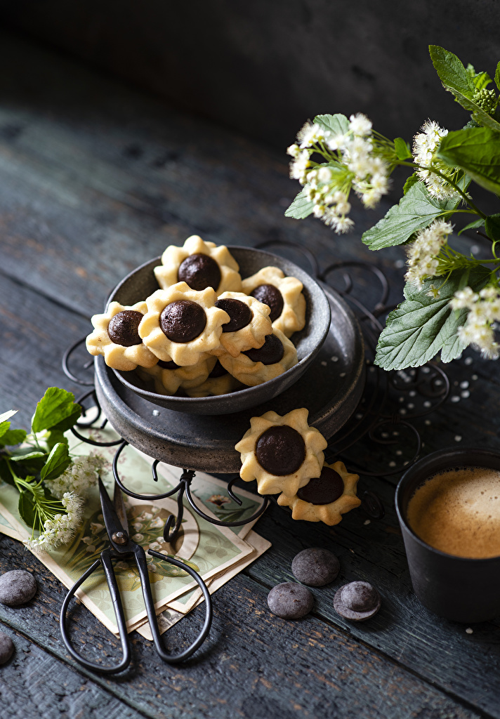 Photo Chocolate Food Cookies boards  for Mobile phone Wood planks