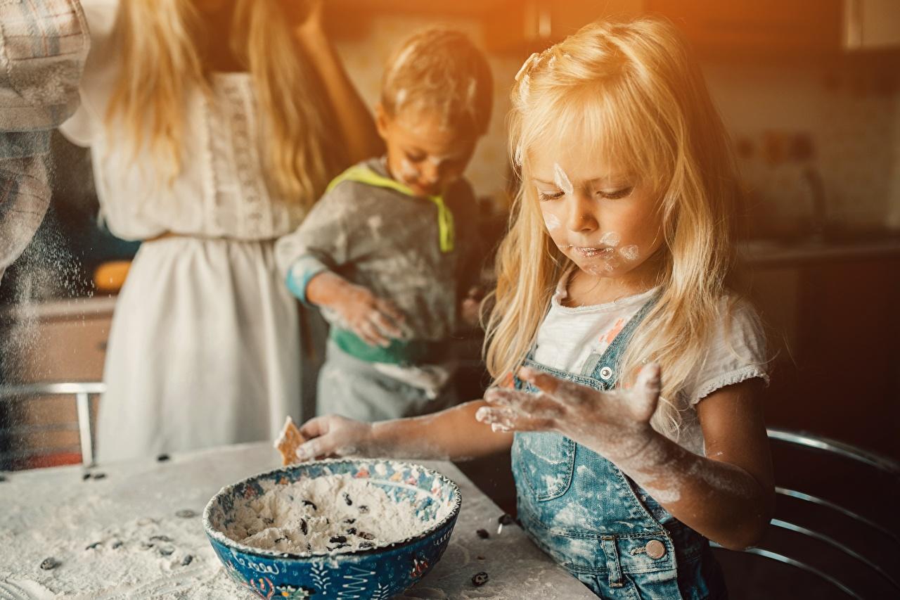 Bilder Kleine Mädchen Blondine Kinder Mehl Blond Mädchen