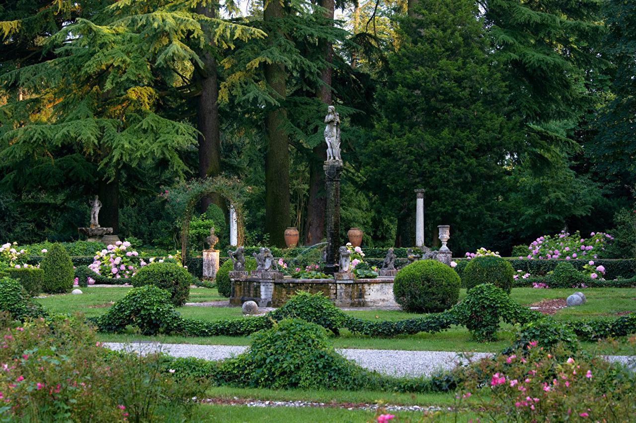 Foto Italien Parco Romagna Natur Park Bäume Strauch Skulpturen Design