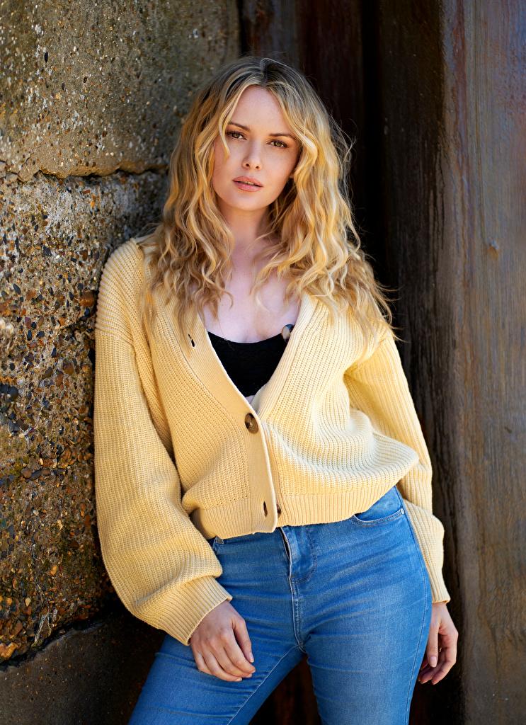 Bilder von Carla Monaco Blond Mädchen Pose Mädchens Blick  für Handy Blondine posiert junge frau junge Frauen Starren