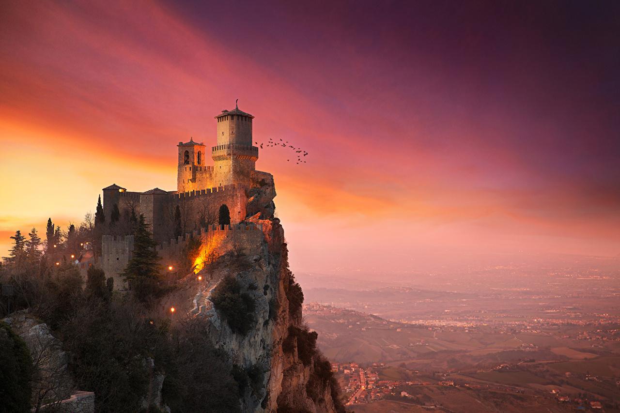 Bilde Festning San Marino Monte Titano Guaita Borg Fjell Natur en by Byer byen