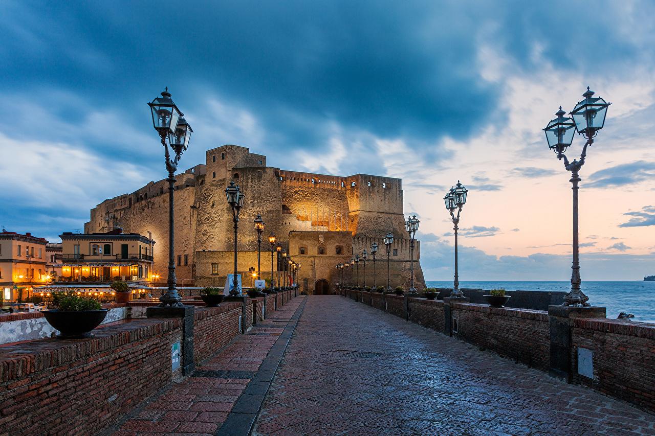 壁紙 イタリア 要塞 Castel Dell Ovo 街灯 都市 ダウンロード 写真