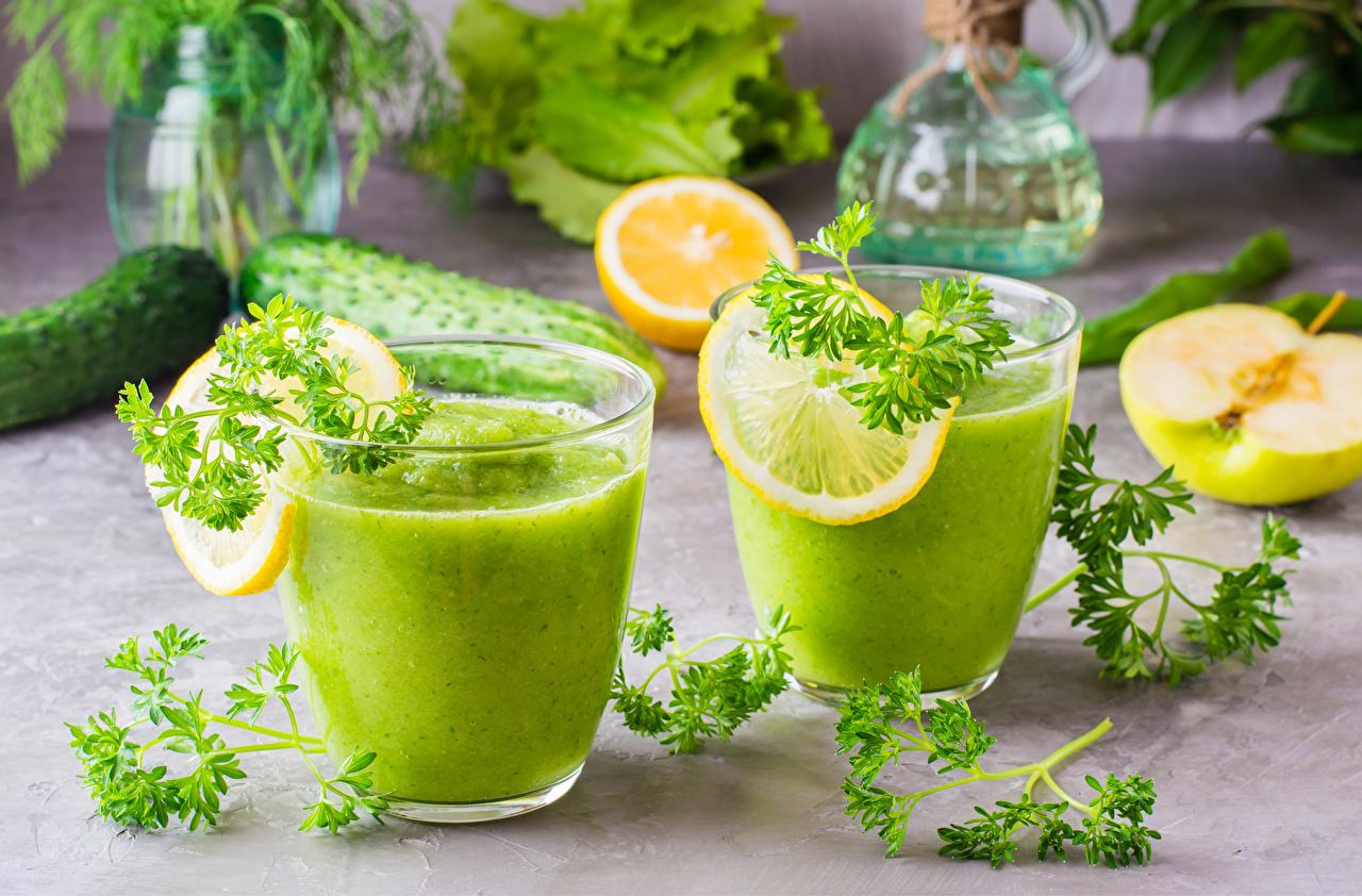 Bilder Smoothie 2 Zitronen Trinkglas Gemüse das Essen Zwei Zitrone Lebensmittel