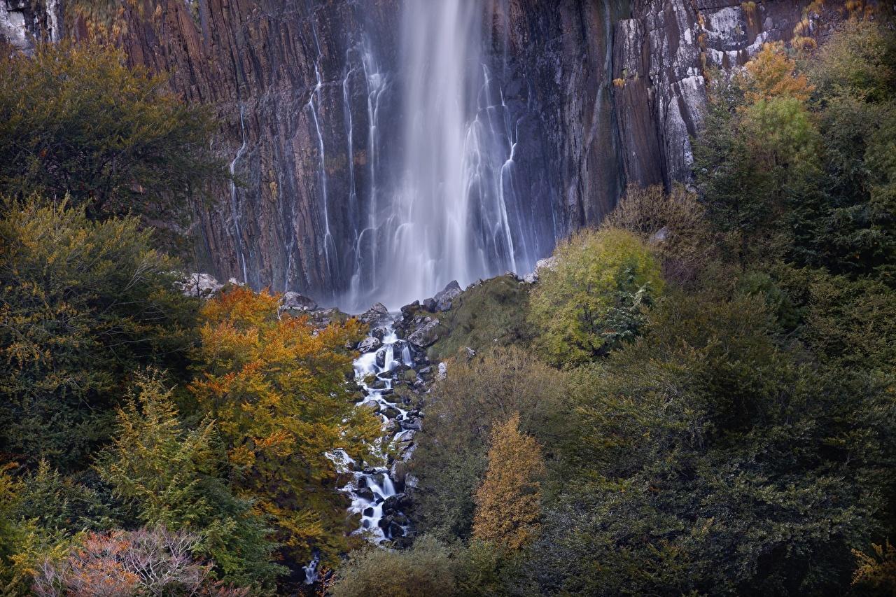 Chute d'eau Falaise cascade Nature