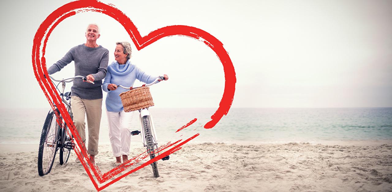 Fotos Valentinstag Mann Herz Fahrrad Zwei Küste fahrräder 2