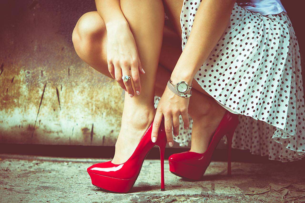 Images Girls Legs Hands Closeup high heels female young woman Stilettos
