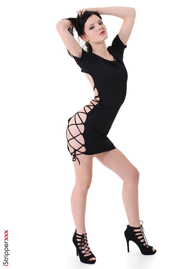 Bilder von Anie Darling Brünette iStripper posiert junge frau Bein Hand Weißer hintergrund Kleid High Heels  für Handy Pose Mädchens junge Frauen Stöckelschuh