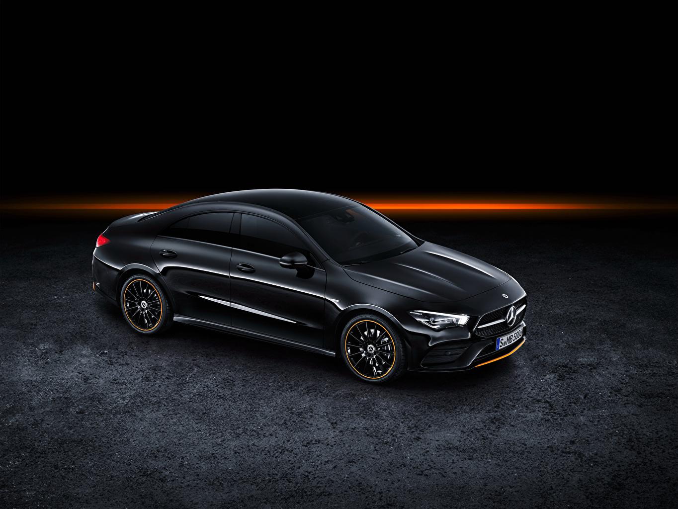 Mercedes-Benz_2019_CLA_250_AMG_Line_Edition_Orange_559211_1364x1024.jpg