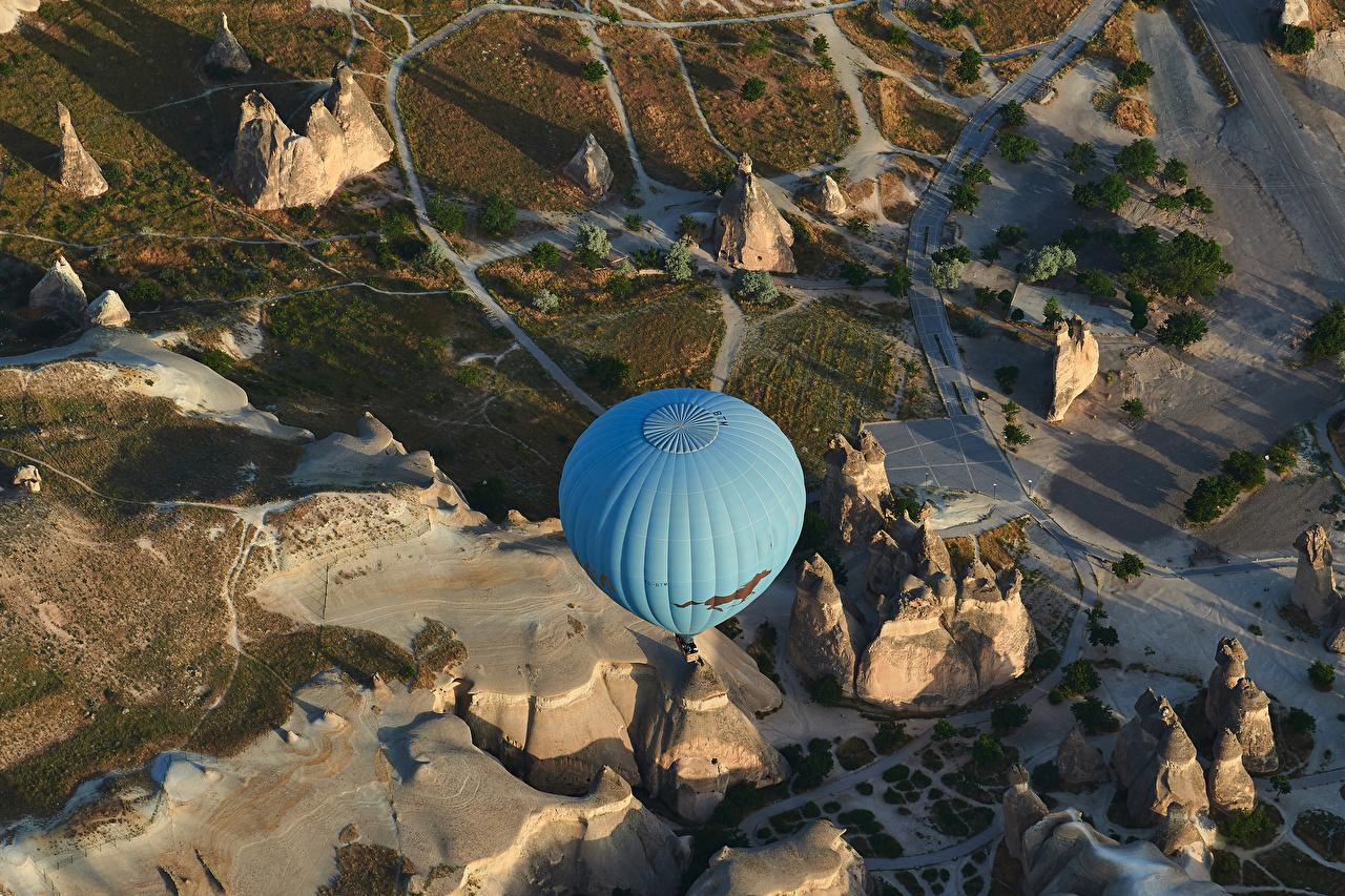 Foton Turkiet aerostat Cappadocia Natur Klippa Från ovan Luftballong klint landform