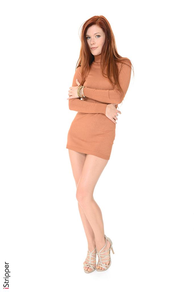 Foto Mia Sollis Rotschopf iStripper junge Frauen Bein Weißer hintergrund Kleid High Heels  für Handy Mädchens junge frau Stöckelschuh