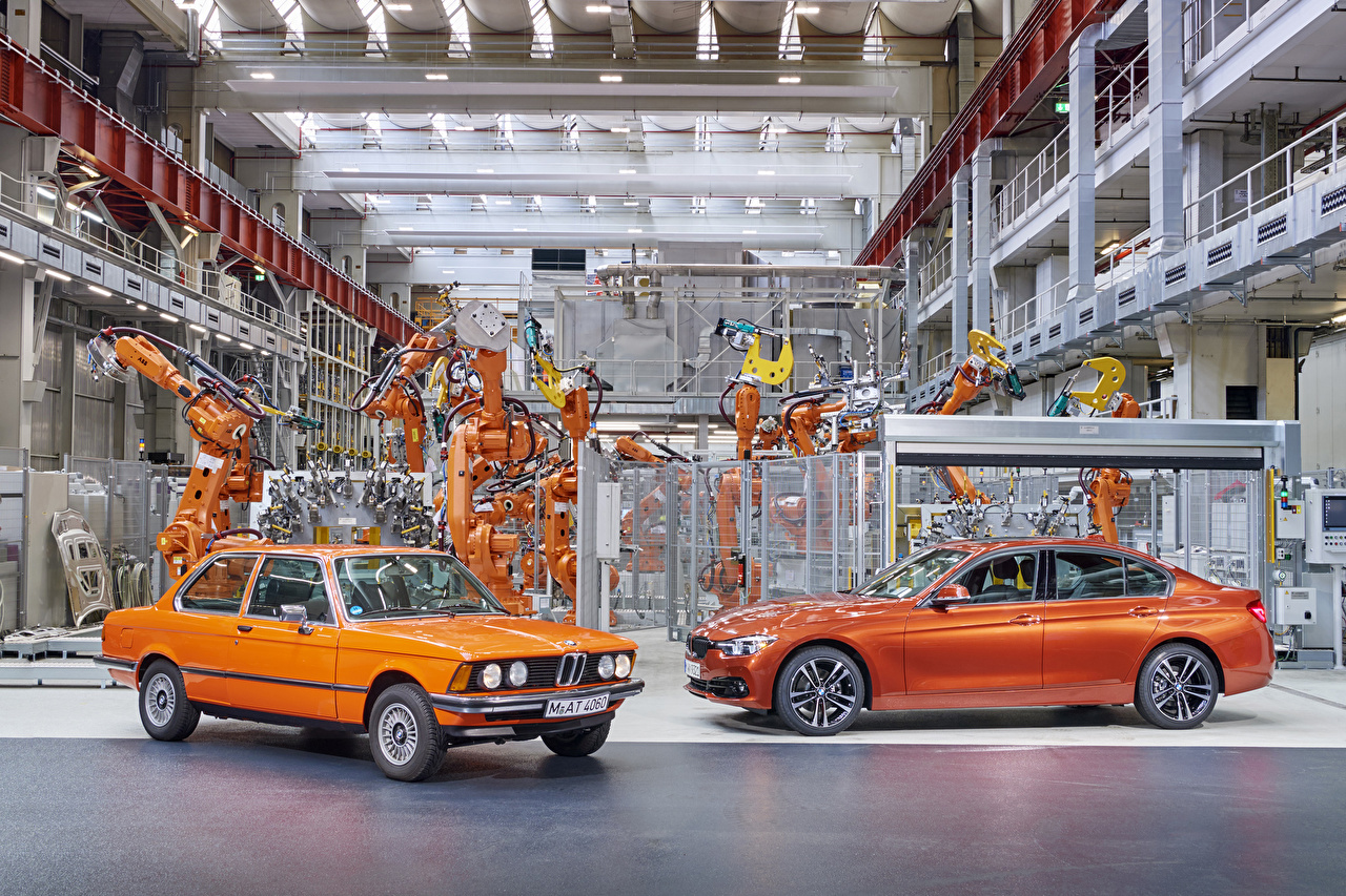 Photo BMW 1975-2017 3 Series Factory Two Orange Metallic automobile 2 Cars auto