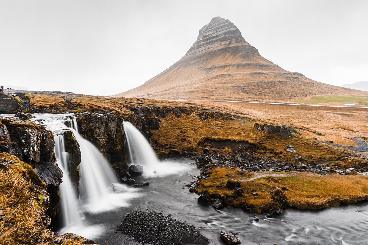 Desktop Hintergrundbilder Island Kirkjufell Natur Gebirge Wasserfall Berg