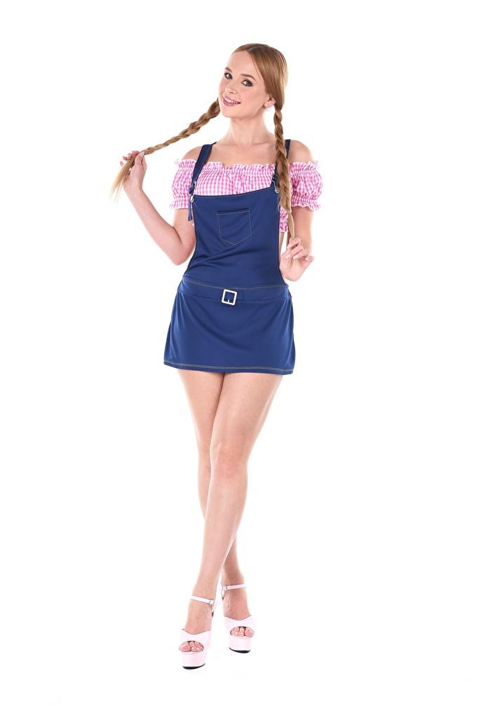 Foto junge frau Kaisa Nord Zopf iStripper Stöckelschuh Hand Weißer hintergrund Braune Haare Bein  für Handy Mädchens junge Frauen High Heels Braunhaarige